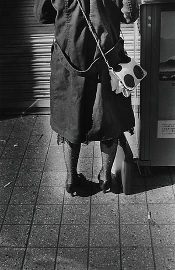 路地の少女,写真