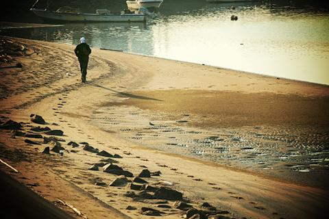 海岸を歩く。