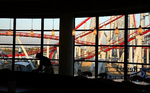 窓からのジェットコースター,写真
