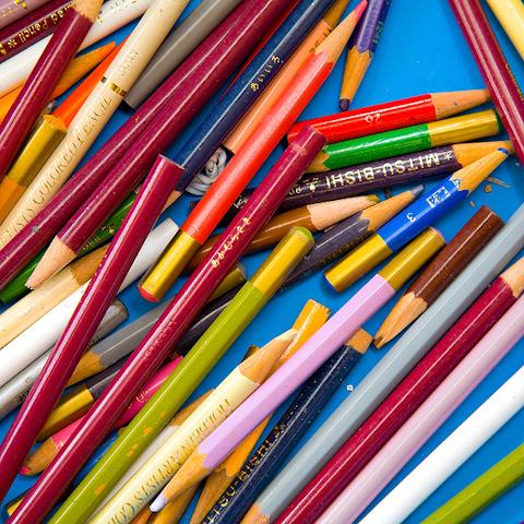 色鉛筆とはだいろ